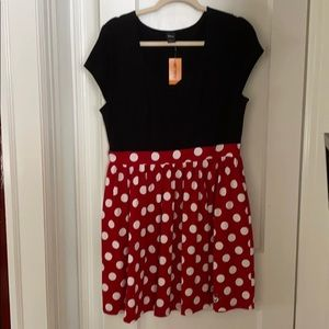 Hot Topic Minnie Mouse style cap sleeve dress